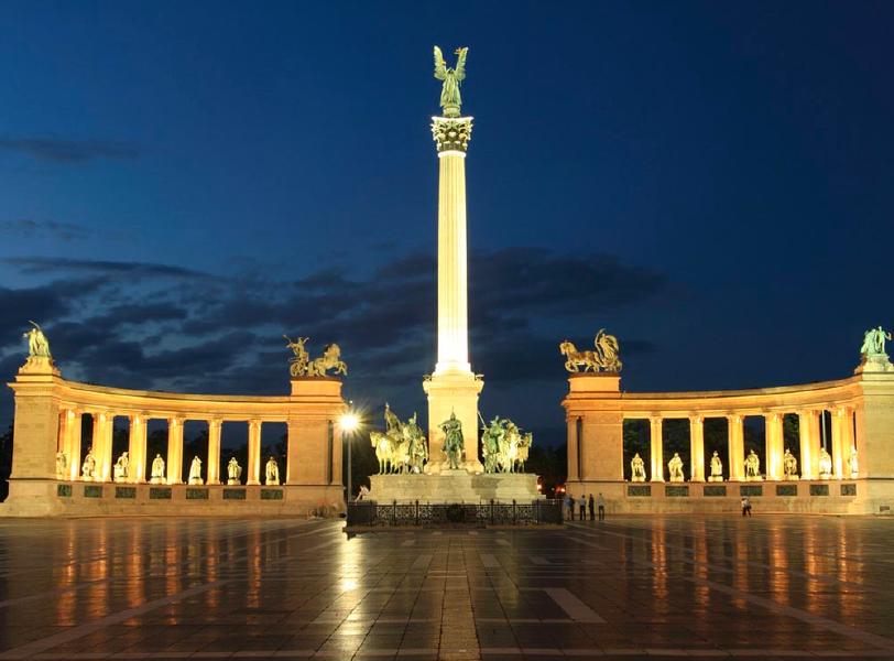 BUDAPEST-INNAMORATA