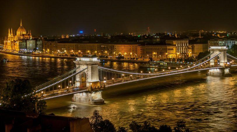 budapest-525857_1920