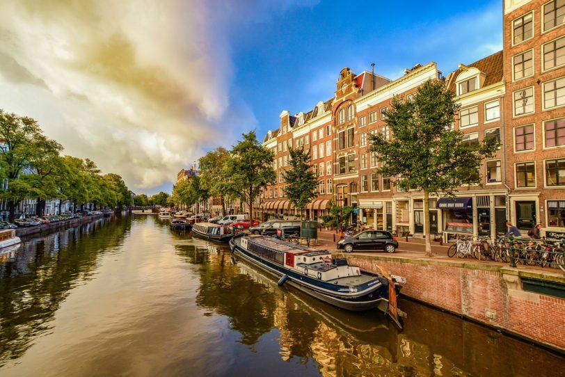 amsterdam-1910176_1920
