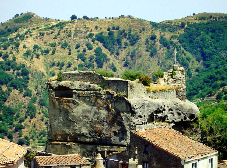 tour Castiglione_di_Sicilia 4-01