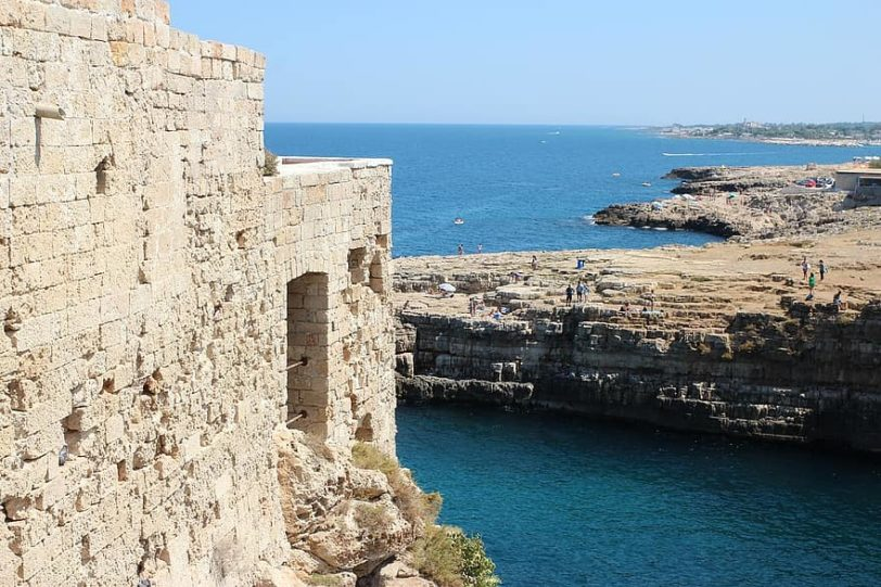 sea-puglia-polignano-a-mare-building-costa-italy-summer-rocks-glimpse